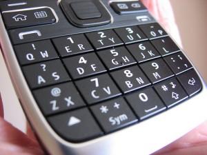 QWERTY billentyűs telefonok