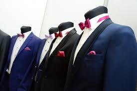Vőlegényi öltönyök